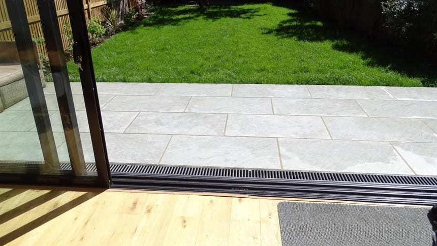 Oilcanfinish Pavestone UK Preferred Landscaper